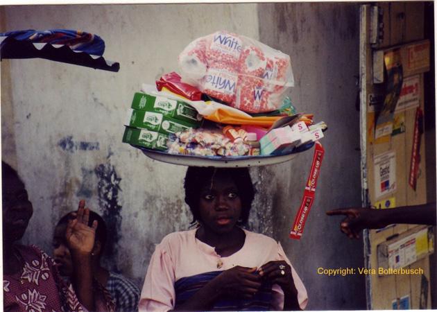 Kinderträgerin in Abeokuta