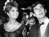 Anthony Perkins mit Sophia Loren in Cannes, 1961