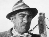 Anthony Quinn in  \'La Strada\' von Fellini, 1954