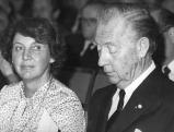 Axel Springer neben Marianne Strauss, 1981