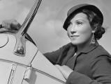 Brigitte Horney in ihrem Auto, 30er Jahre