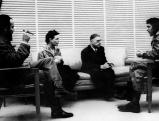 Jean Paul Sartre und Simone de Beauvoir mit Che Guevara