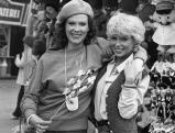 Elisabeth Volkmann und Ingrid Steeger auf der Wiesn, 1978