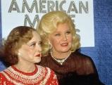 Bette Davis und Ginger Rogers, 1982