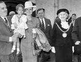 Grace Kelly, Tochter Stephanie, Ehemann Prince Rainier und Lady Mayoress of Liverpool, 1956