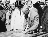Henry Ford eroeffnet Fordwerke in Koeln, 1931