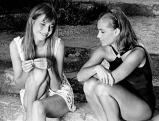 Jane Birkin und Romy Schneider am Set von Swimming Pool, 1968