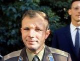 Juri Gagarin nach seinem Flug in einer Weltraumkapsel, 1961