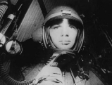 Juri Gagarin in einer Weltraumkapsel im Rahmen des Wostok-Programmes, 1961