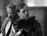 Klaus Kinski mit Friedrich Domin in Heinrich IV., 1956