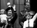 Elizabeth II. mit Prinz Philip und den Kindern Prinz Edward und Prinz Andrew, 1965