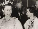 Elizabeth II. bei der Eroeffnung des italienischen Filmfestes in London, 1954
