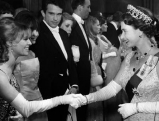 Elizabeth II. mit Julie Christie und Warren Beatty, 1966