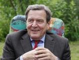 Gerhard Schroeder besucht Berliner Laubenpieper