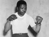 Nelson Mandela zu Beginn der 1950er Jahre als junger Boxer