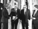 Verleihung des Friedensnobelpreises an Nelson Mandela, 1993