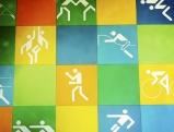 Eine Wand mit Piktogrammen, Olympiapark