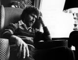 Paul Breitner in seiner Wohnung, 1983