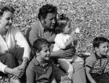Peter Ustinov mit Familie, 1961