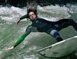 Eisbach in Muenchen, Sommer 2010, Surfer: Guido Meier