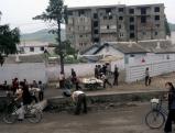 Alltag auf einer Strasse in Wonsan, 2012