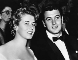 Rock Hudson mit Cornell Borchers, 1955