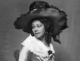 Tilla Durieux in Arthur Schnitzlers \'Der Gruene Kakadu\', 1919