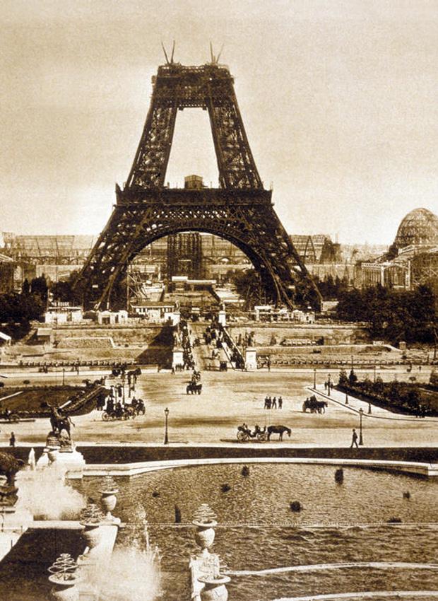 Bau_des_Eiffelturms