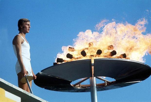 Olympische Spiele in München 1972: Günther Zahn entzündet das Olympische Feuer