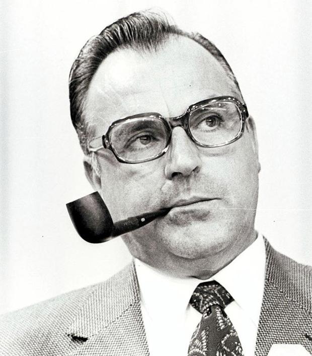 Helmut Kohl mit Pfeife, 1982