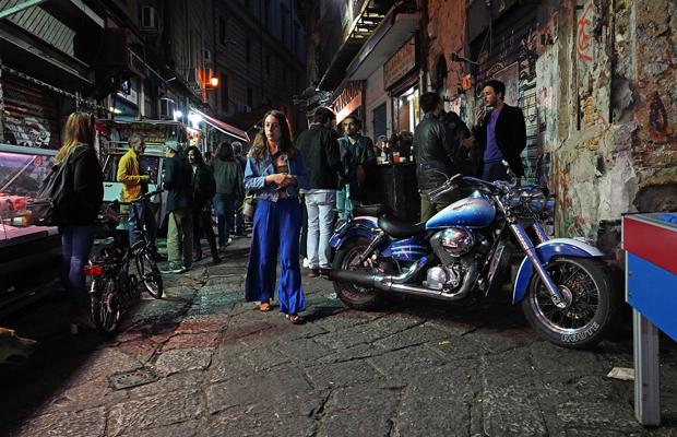 Nachts auf Palermos Vucciria, vor der Taverna Azzurra