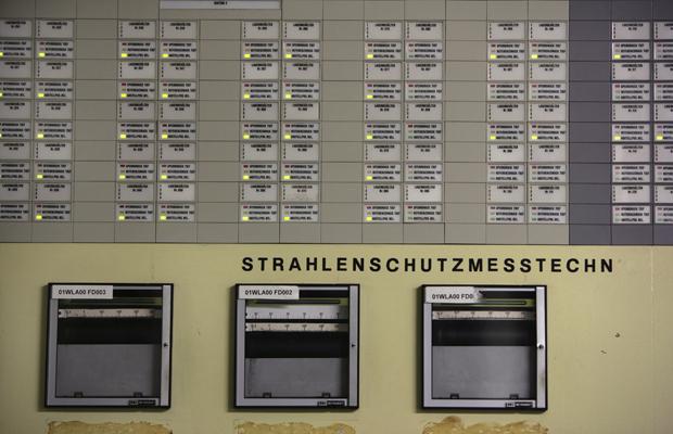 DEUTSCHLAND, Gorleben, 16.05.2011 Atommüll-Zwischenlager Gorleben: Kontrollraum in der Lagerhalle für die Castoren. Die grünen Lämpchen zeigen die mit Atommüllfässern besetzten Stellen in der Halle.