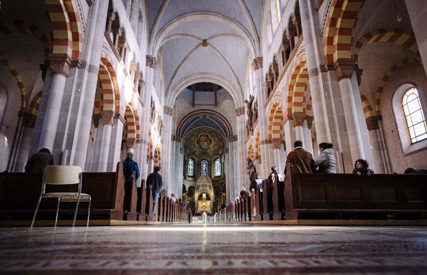 Sonntagsgottesdienst in der Sankt Benno Kirche in der Münchner Maxvorstadt.
