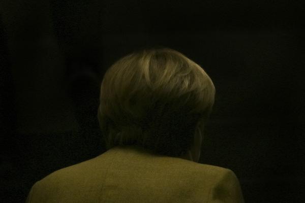 Bundeskanzlerin Angela Merkel trifft im Haus der Bundespressekonferenz ein, um an einer Pressekonferenz zur Verschärfung der Abriegelung teilzunehmen, Berlin, Deutschland, 21. Januar 2021. In einem elfstündigen Gespräch haben Merkel und die Regierungschefs der 16 Bundesländer am 19. Januar die Ausweitung der gesundheitlichen Beschränkungen gegen die Ausbreitung des Coronavirus beschlossen, die Sperrung bleibt bis Mitte Februar bestehen. [automatische Übersetzung aus dem Englischen]